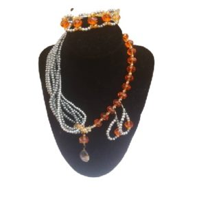 Stunning Beaded Jewelry Set – Necklace