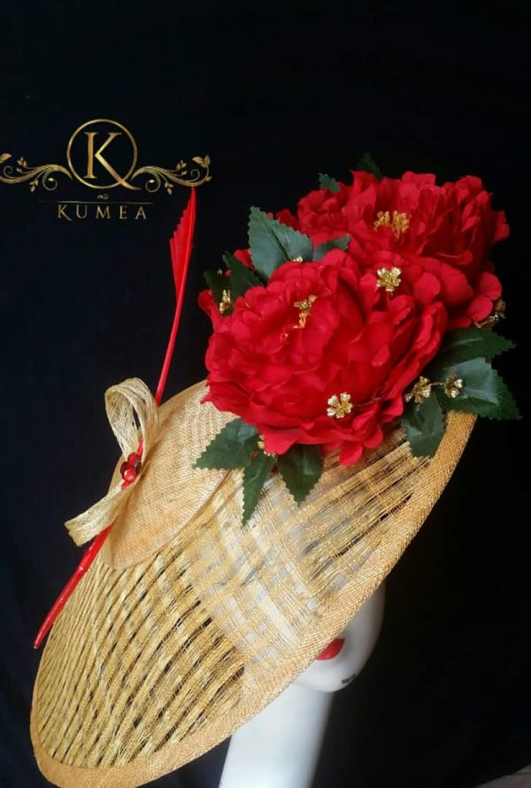 Gorgeous Golden Coloured Hatinator with Red Flowers